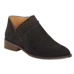 New with tags Lucky Brand pakpao Black booties 6